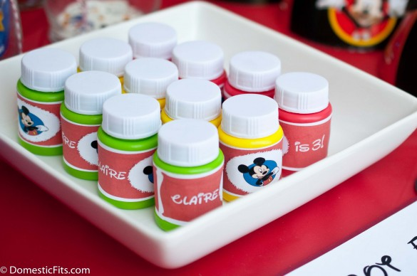 Mickey Mouse Prize Bar Bubbles with free printable labels