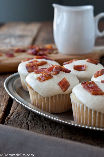 Maple Bacon Doughnut Muffins via @DomesticFits
